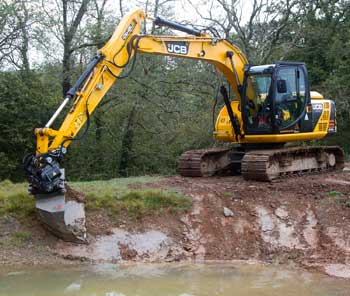 Operated excavator hire for drives, roadways, tracks, site clearance, ponds and large scale landscaping.